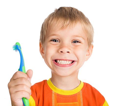 Igiena copiilor - Spalatul pe dinti