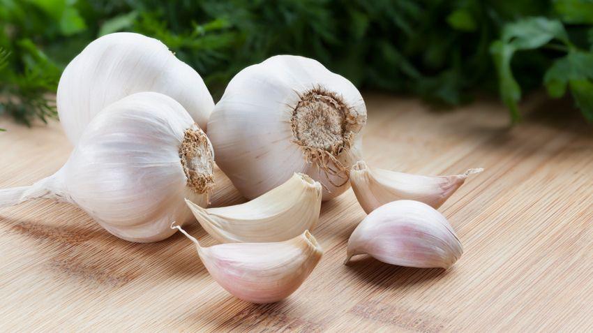 cum scapam de mirosul de usturoi